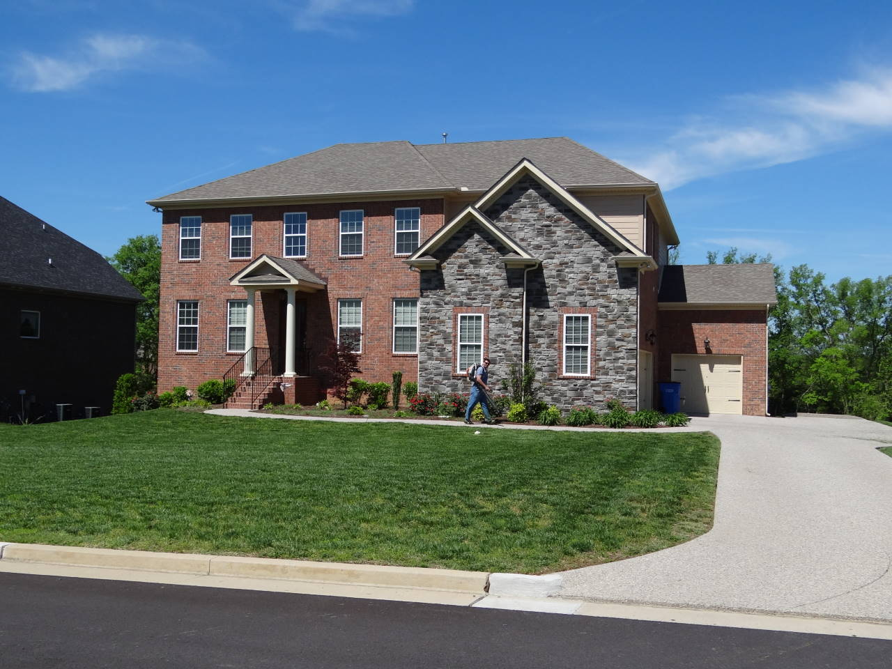 Lawn service brentwood tn franklin brentwood lawn care for The brentwood